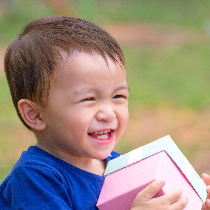 3歳男の子へプレゼント。1000円以下から揃うおもちゃ以外のアイテムとは