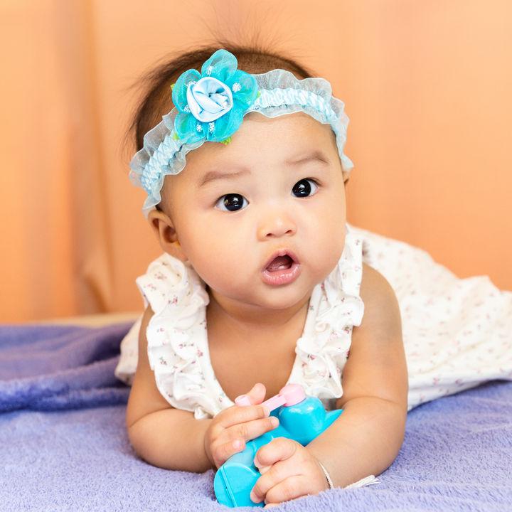 生後5ヶ月の赤ちゃんに人気のおもちゃ。手作りやママたちがプレゼントしたもの