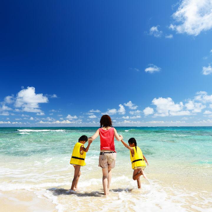 海水浴シーズンはいつからいつまで?子どもとの海水浴の注意点や持ち物
