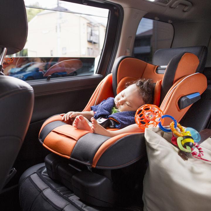 赤ちゃんや子どもといっしょの帰省。持ち物リストやかばんの種類など