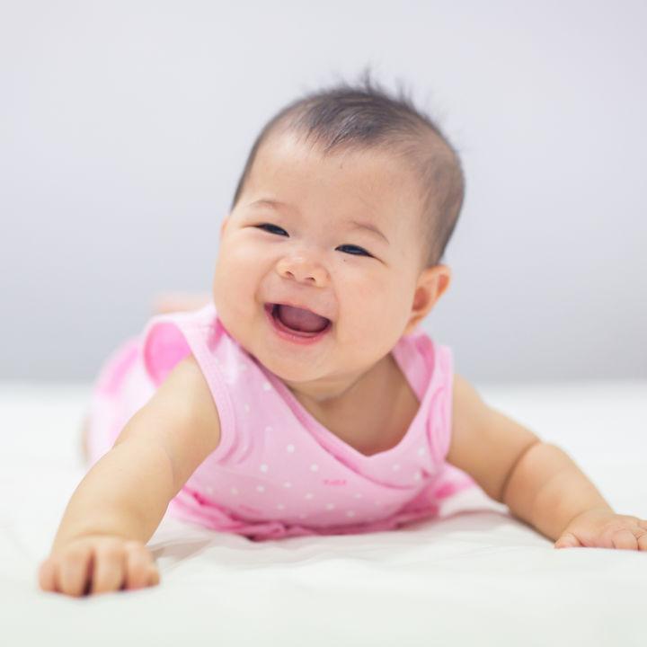 【体験談】生後7ヶ月のハイハイの練習方法。ハイハイからつかまり立ちの時期の注意点など