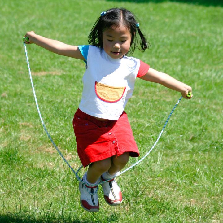 子どもの縄跳びの練習はどうする?練習メニューと練習台の作り方、練習への誘い方など