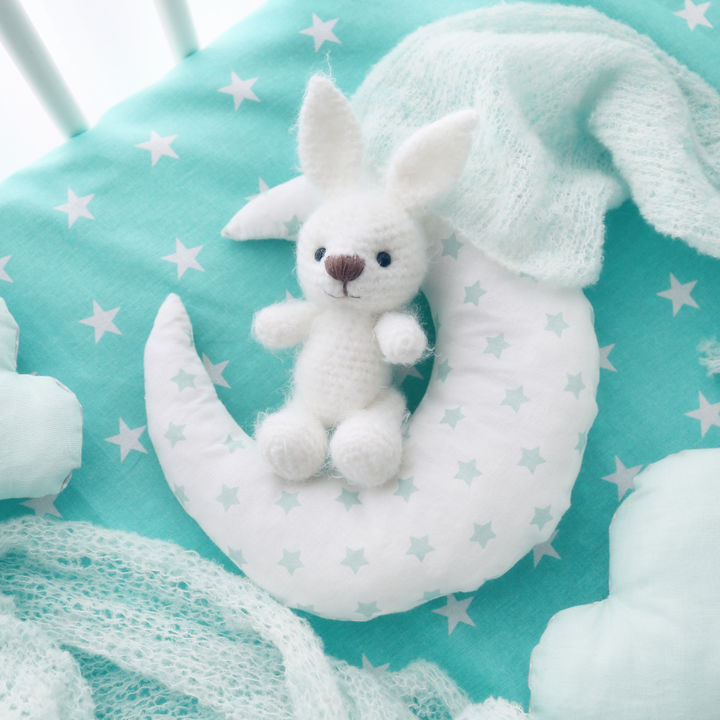 新生児のぬいぐるみはいつから購入する?人気のタイプや洗濯方法