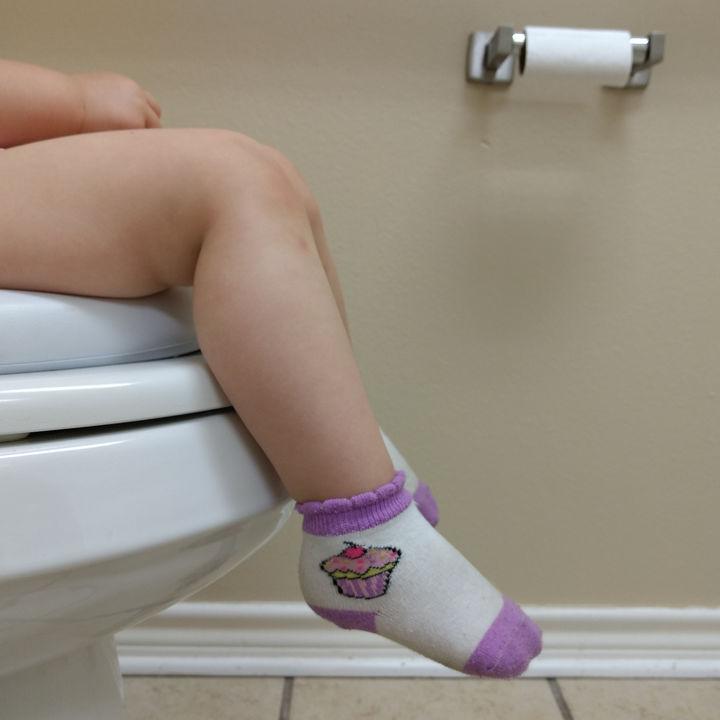 便座掃除を簡単にしたい。トイレの時短掃除方法や裏ワザについて