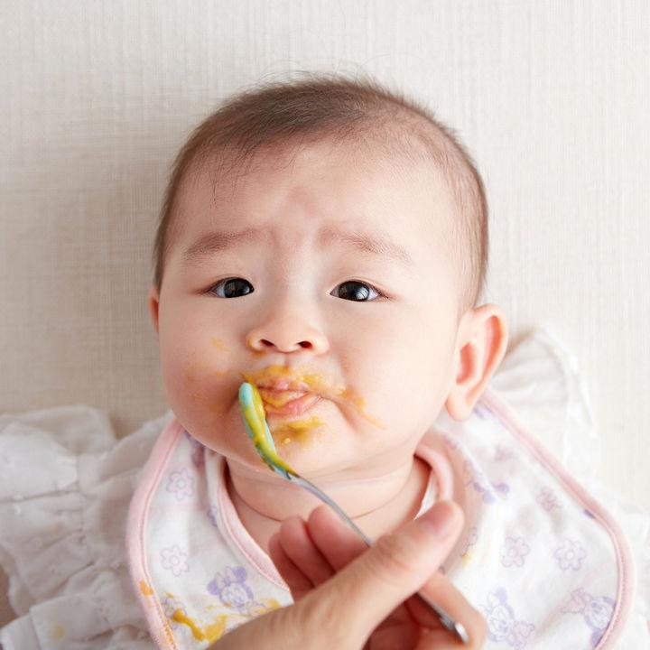 離乳食の最初の準備や量について。離乳食を嫌がる、食べないときの対処方法