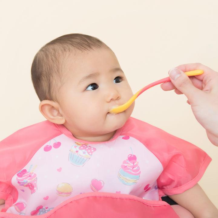 生後7ヶ月の離乳食のメニュー。1週間の献立例と調理のポイント