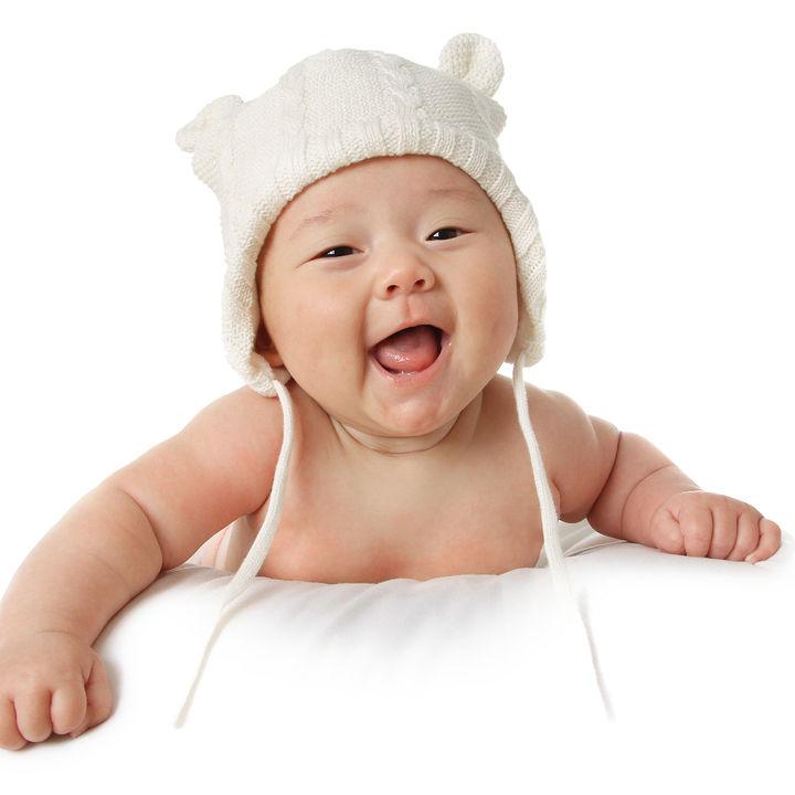 生後4カ月の赤ちゃんが寝ない原因。昼や夜の対応やイライラしないための工夫
