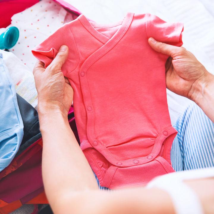 生後2カ月の服装選び。春夏、秋冬の服やサイズについて