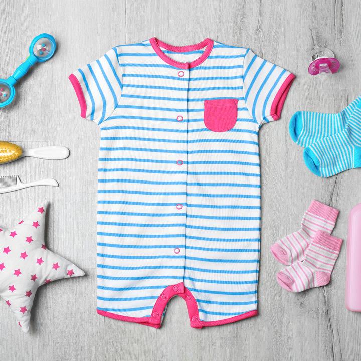 新生児のツーウェイオール、夏や冬には何枚必要?おしゃれでかわいい外出用など