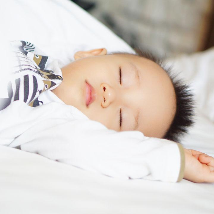 生後11カ月の赤ちゃんの昼寝。短い昼寝を2回、3回する、長いお昼寝や回数など