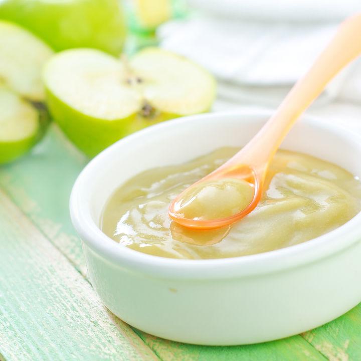 離乳食の果物はいつから食べられる?果物の種類や果物の缶詰の取り入れ方
