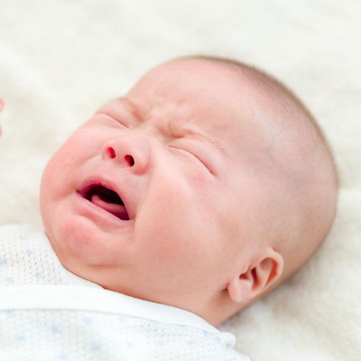 生後4カ月の赤ちゃんの寝ぐずり。寝ぐずりの理由や寝ぐずりがひどいときの対策