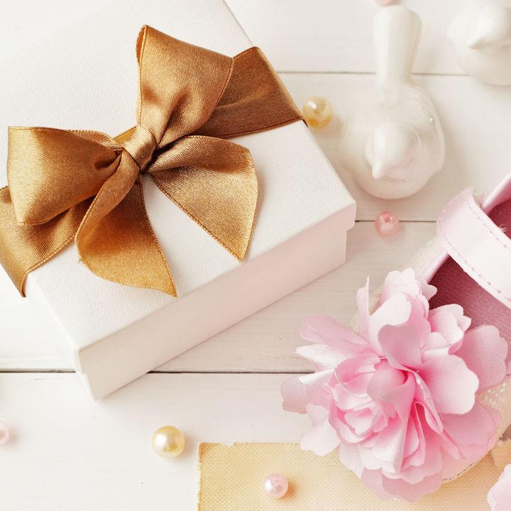 予算2000円の出産祝いにはどんなものがある?喜んでもらえる出産祝いを贈ろう
