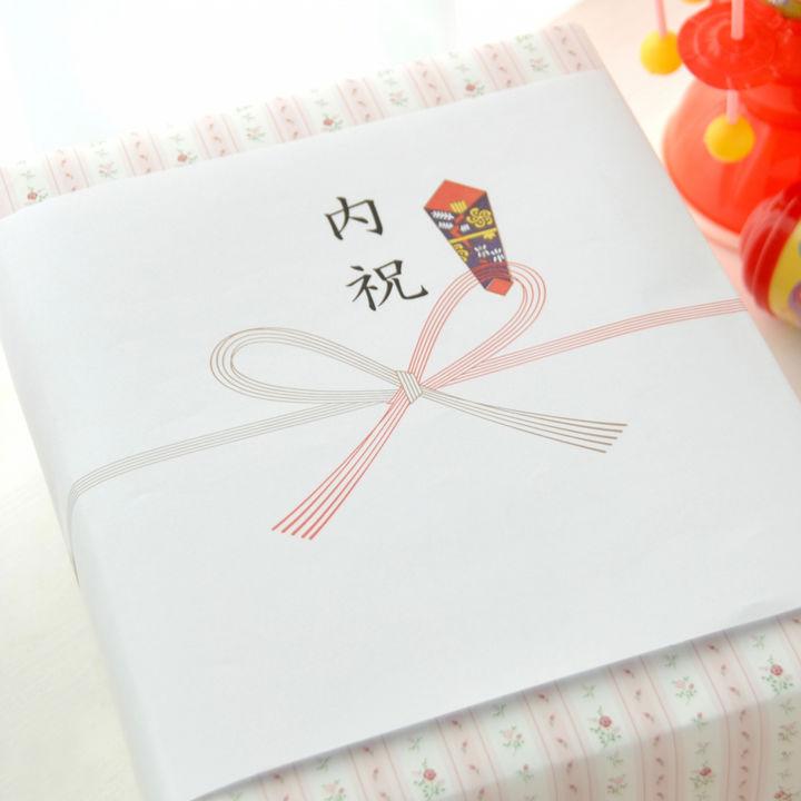 出産内祝いの常識とは。友だちへのお返し選び、半返しやお礼のルールやタブーなど