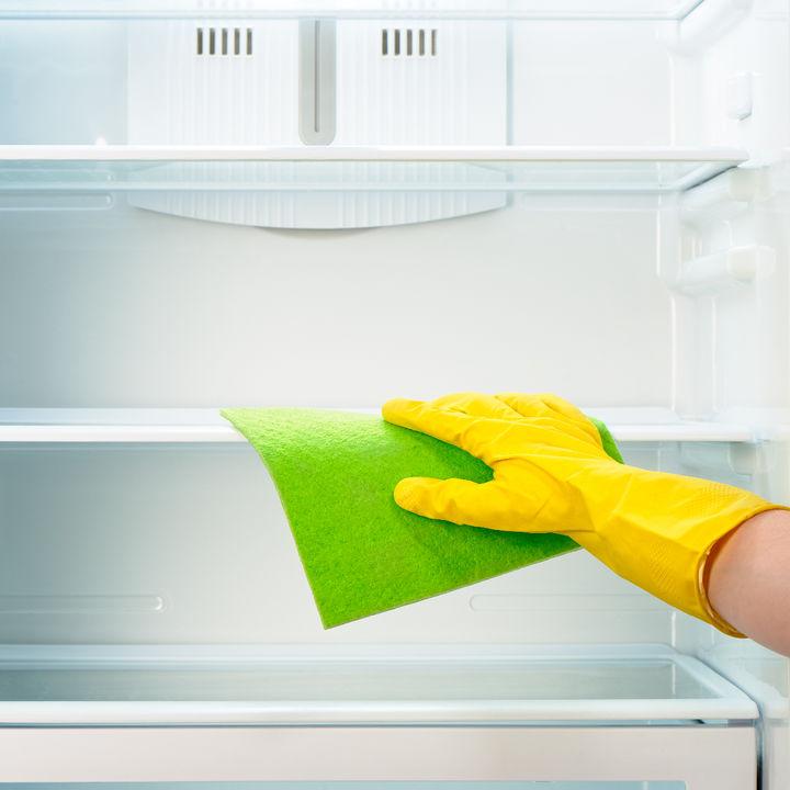 冷蔵庫掃除はどのくらいの間隔でする?掃除のタイミングやペースなど