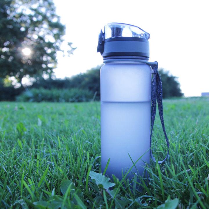幼稚園の水筒について。ステンレス製や直飲み式、大きさやカバーなどタイプ別の選び方