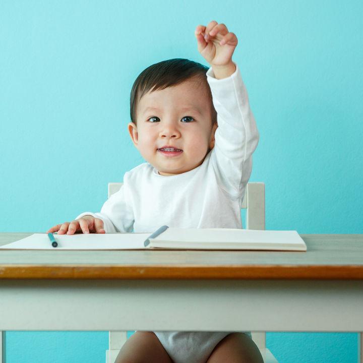子ども用のキッズテーブル。セットやロータイプ、折りたたみなど子どもにあわせた選び方