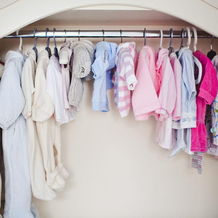 衣替えの時期はいつから?春と秋の衣替えのタイミング、赤ちゃんの服など衣替えの進め方