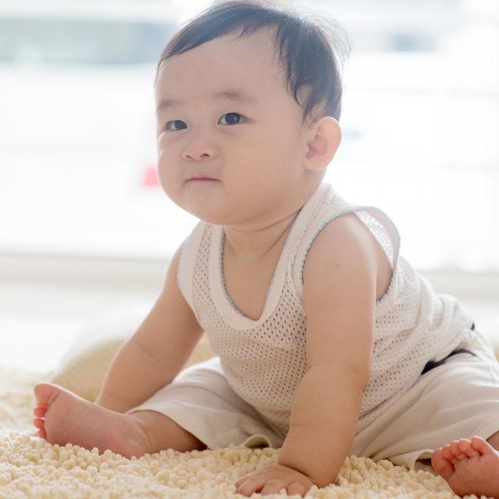生後5ヶ月頃の赤ちゃんのお座りについて。前のめりになる、お座りできない場合など