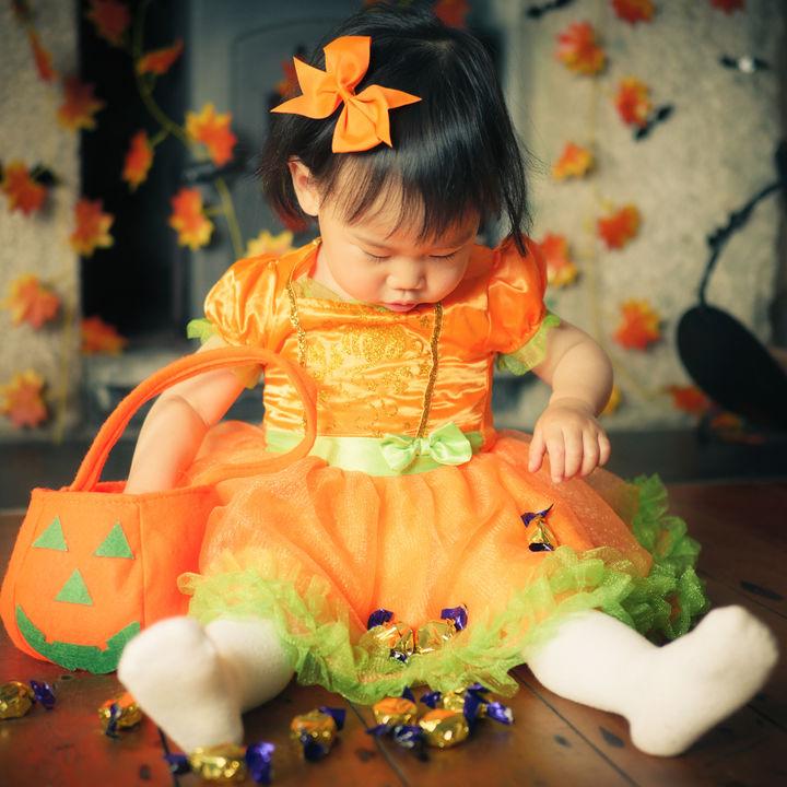 ハロウィンの赤ちゃんの仮装。 100均グッズやベビーグッズで手作りする方法