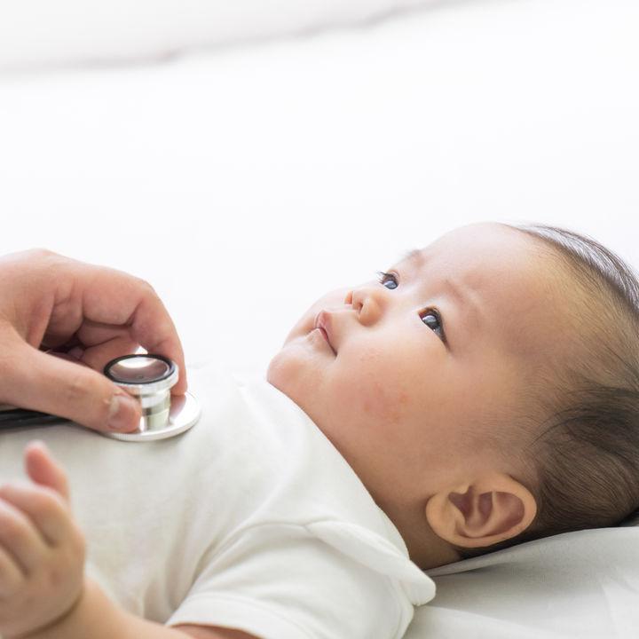 【小児科医監修】RSウイルス感染症の治療とは?検査や薬、予防法などについて解説