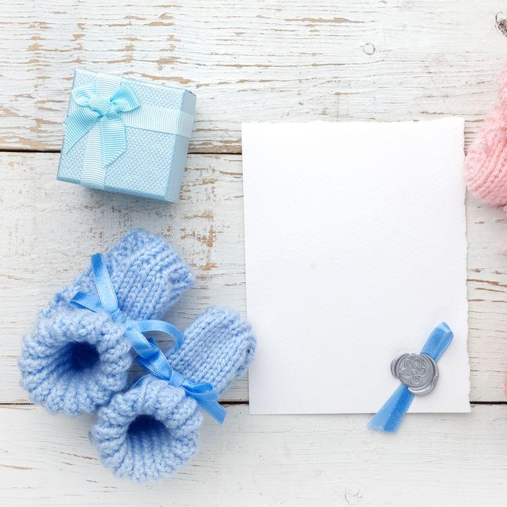 出産祝いのプレゼントの相場やNGマナー。女の子や男の子の赤ちゃんへのプレゼント