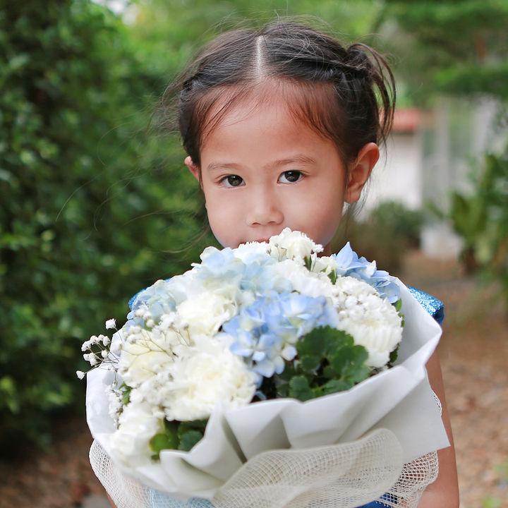 敬老の日のギフト。お菓子などの食品やお花、靴下やパジャマなどママたちが贈ったもの