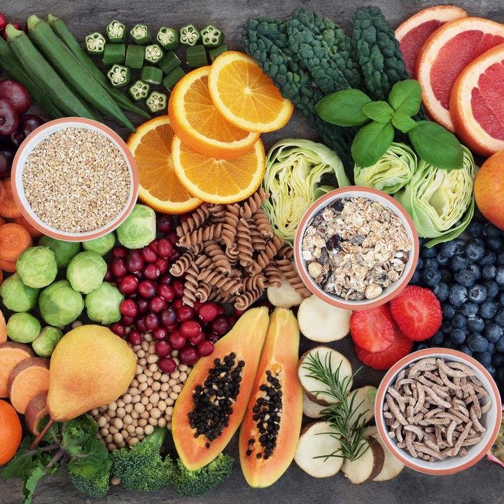毎日の献立を考えてまとめ買い、食費をスマートに節約する工夫