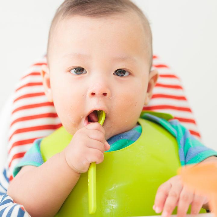 生後10ヶ月の離乳食レシピについて。ママたちに聞いた主食や手づかみ食べレシピ