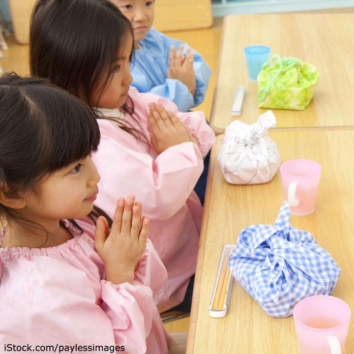 幼稚園で使うお弁当袋の作り方。袋のサイズやマジックテープを使ったものなど