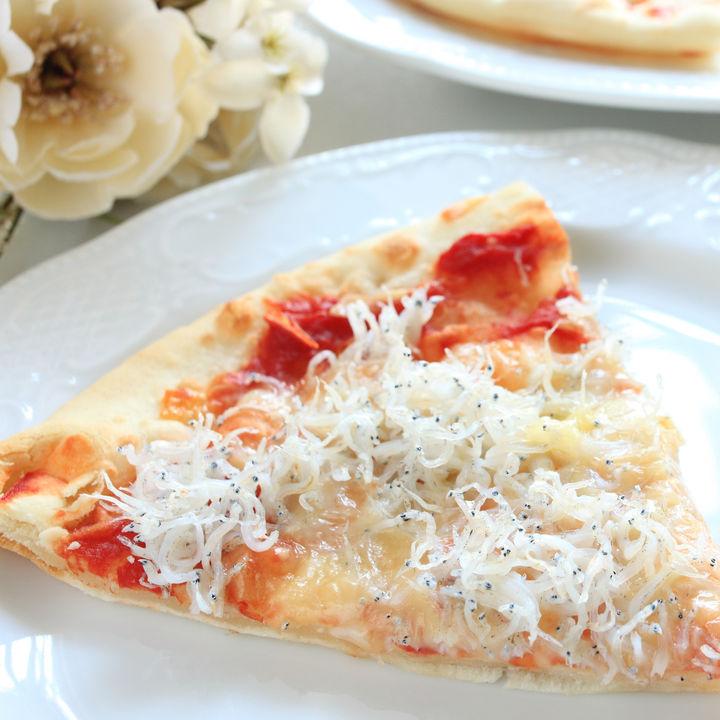 離乳食のピザ風アレンジレシピ。作るときの工夫と、食パンやじゃがいもを生地に使うレシピ