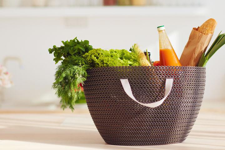 食材の入ったバッグ