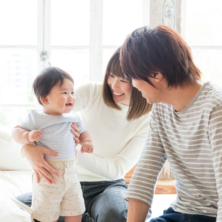 結婚記念日のすごし方。子どもといっしょ、家族の場合や夫婦2人のときの子どもの預け先