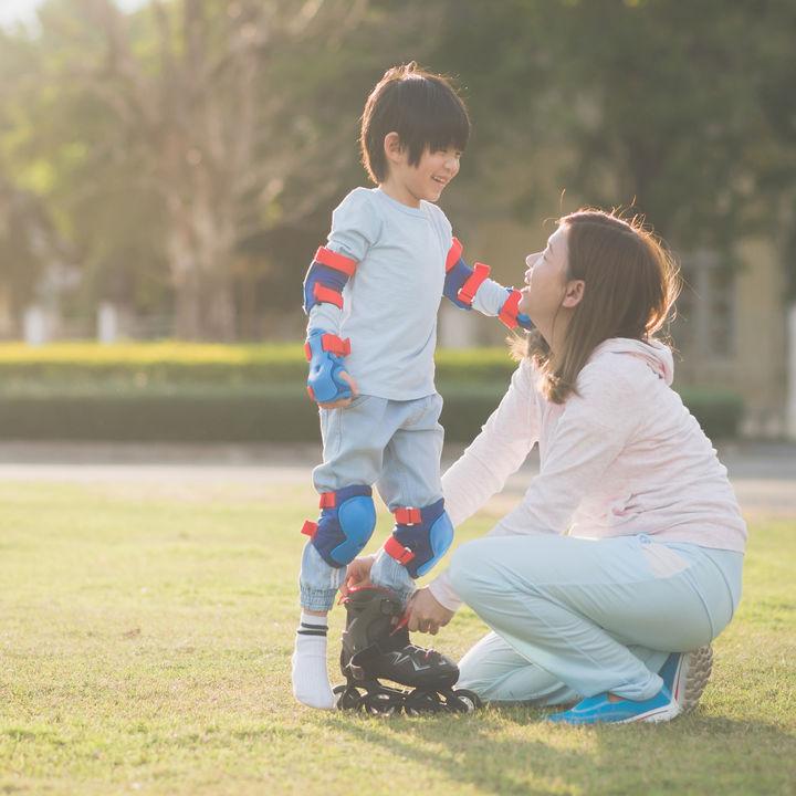 幼児や子どもに人気のローラースケートは?種類の選び方や練習場所