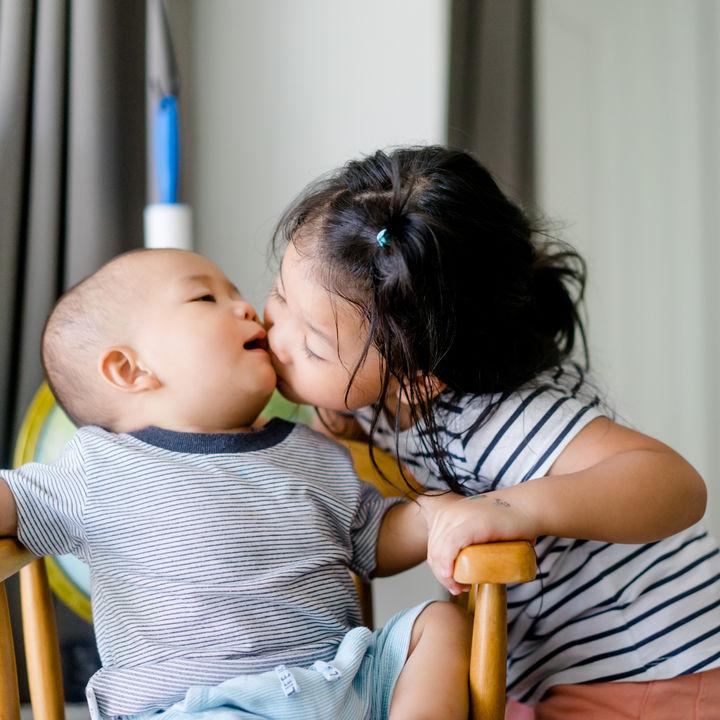【体験談】年子を妊娠した場合。育児のコツや異性の年子などのメリットなど