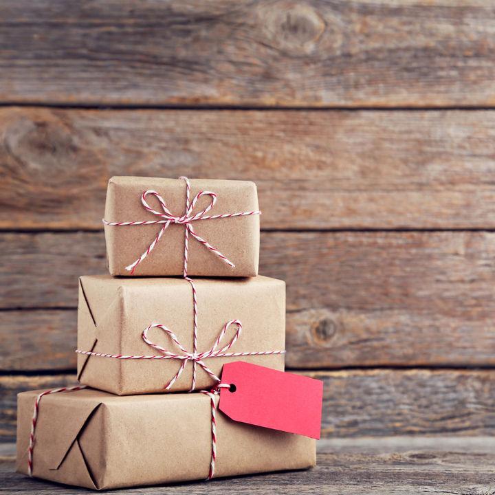 ママ友に予算2000円で贈る誕生日プレゼント。贈って喜ばれるプレゼントの選び方