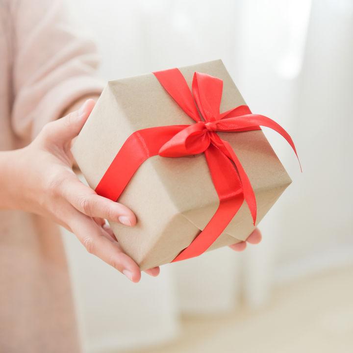 ママ友に予算3000円で贈る誕生日プレゼント。贈って喜ばれるプレゼントの選び方