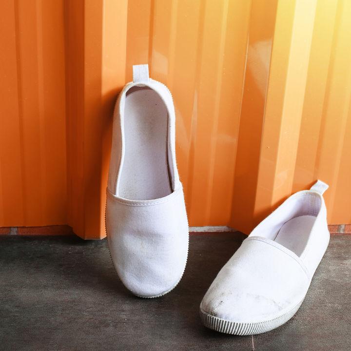 マタニティ靴の選び方。仕事やフォーマルな場面、季節に合った靴とは