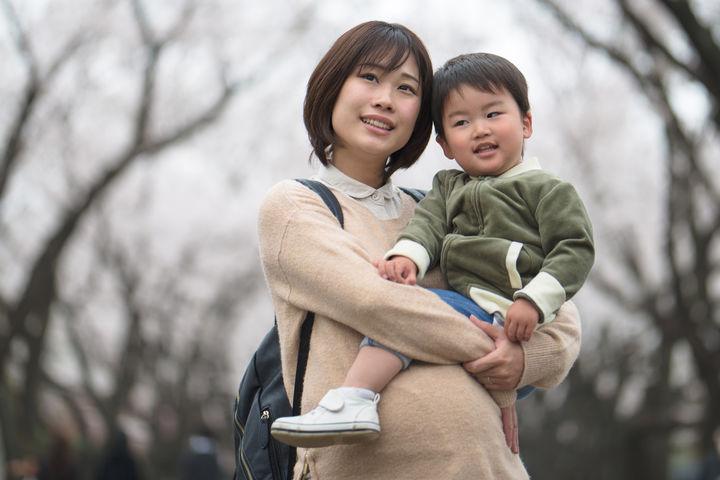 妊婦のママと子ども