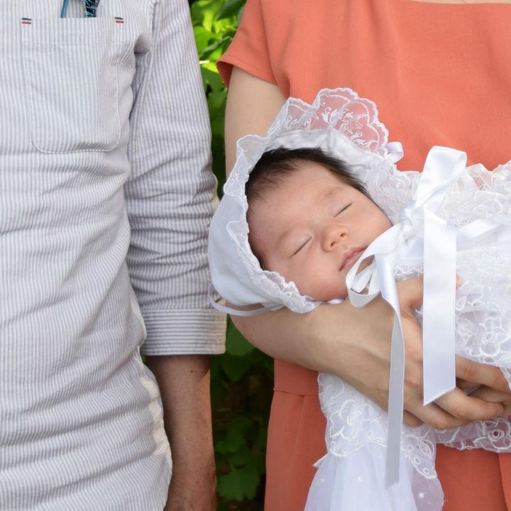 お宮参りは私服でもいい?親や赤ちゃんの服装、私服で行くときに気をつけたいこと