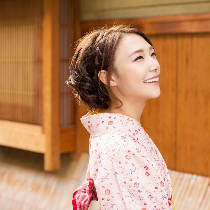 お宮参りのママの髪型。着物にもあうボブやミディアムの簡単アレンジ