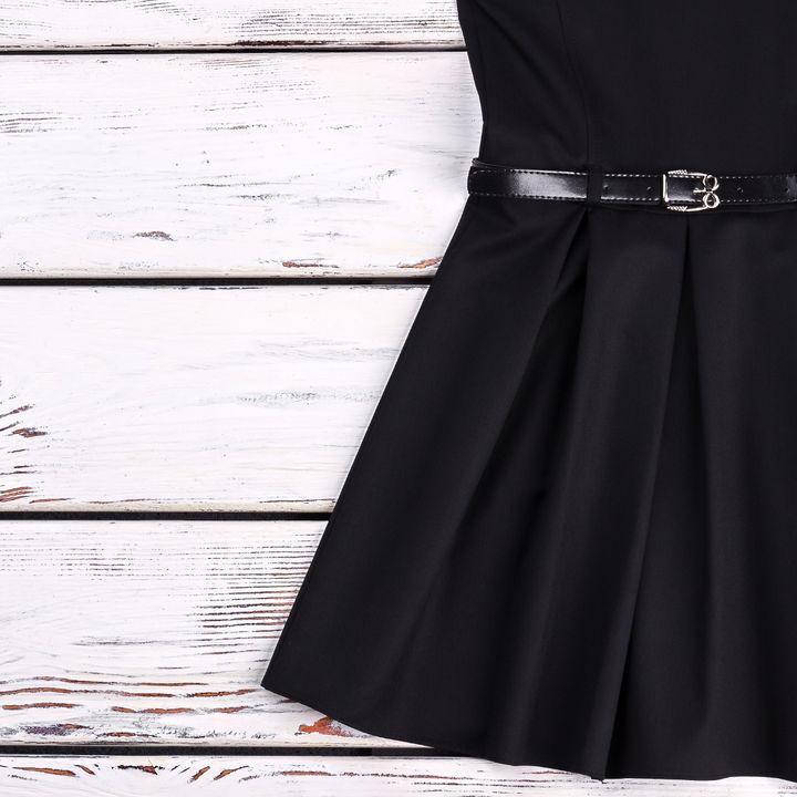 お宮参りののママの服装。フォーマルスーツやワンピースなど
