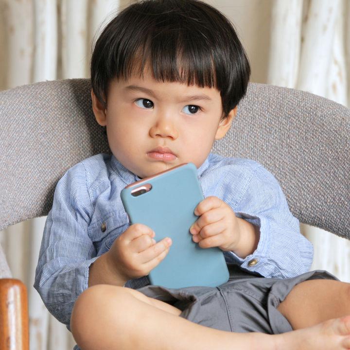 上の子の赤ちゃん返りへの対応。保育園に行きたがらないときなど、ママたちの体験談