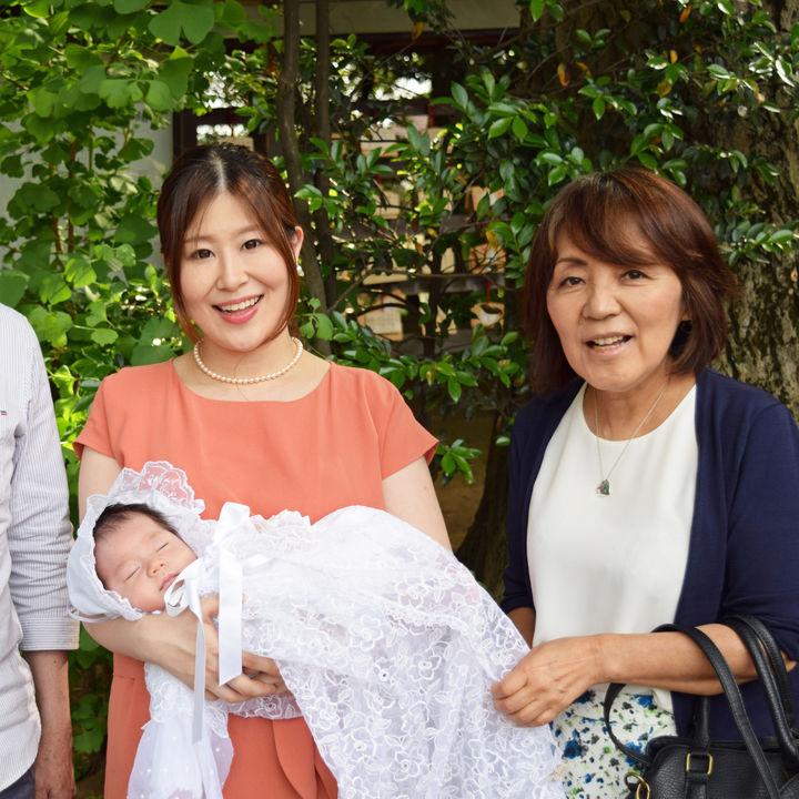 お宮参りは祖父母といっしょに行く?祖父母を含めた家族の服装やコーディネート
