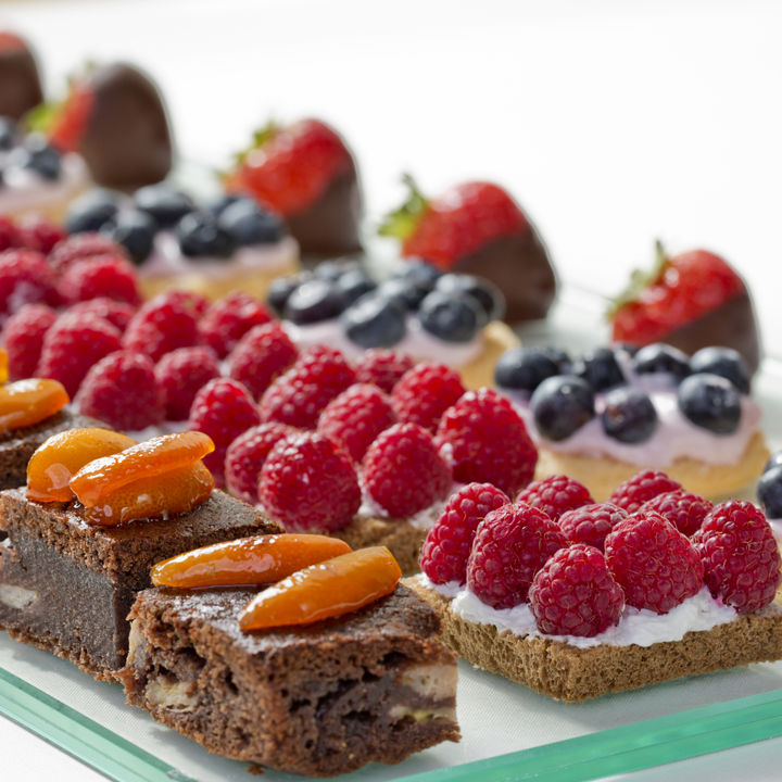 お歳暮に贈りたいおしゃれなお菓子。贈る相手に喜ばれる人気のスイーツや洋菓子