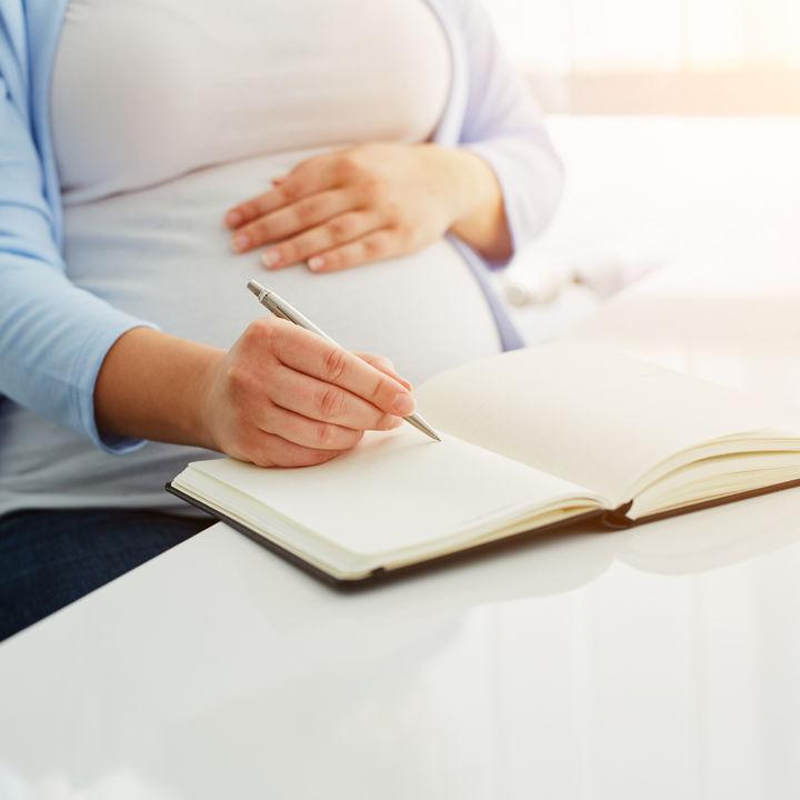 出産入院に必要なものリスト。妊娠中に準備しておきたいものやあると便利なものなど
