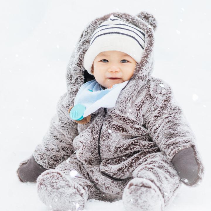雪遊びの道具を使って子どもと思い切り遊ぼう。雪遊びに便利なグッズやおもちゃ