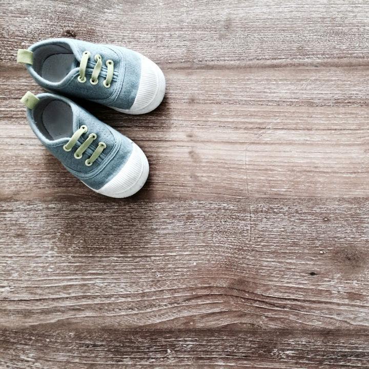 子どもの靴の選び方。3eや4eなど幅広の足に履きやすい靴のサイズや選ぶときのコツ