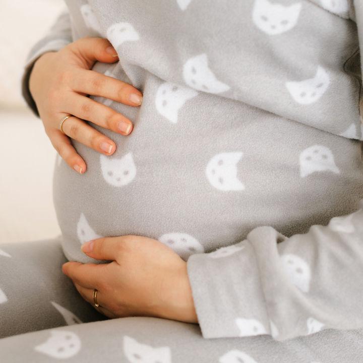 出産のときにパジャマは何枚必要?前開きなどパジャマの選び方や春夏秋冬にあわせた着方