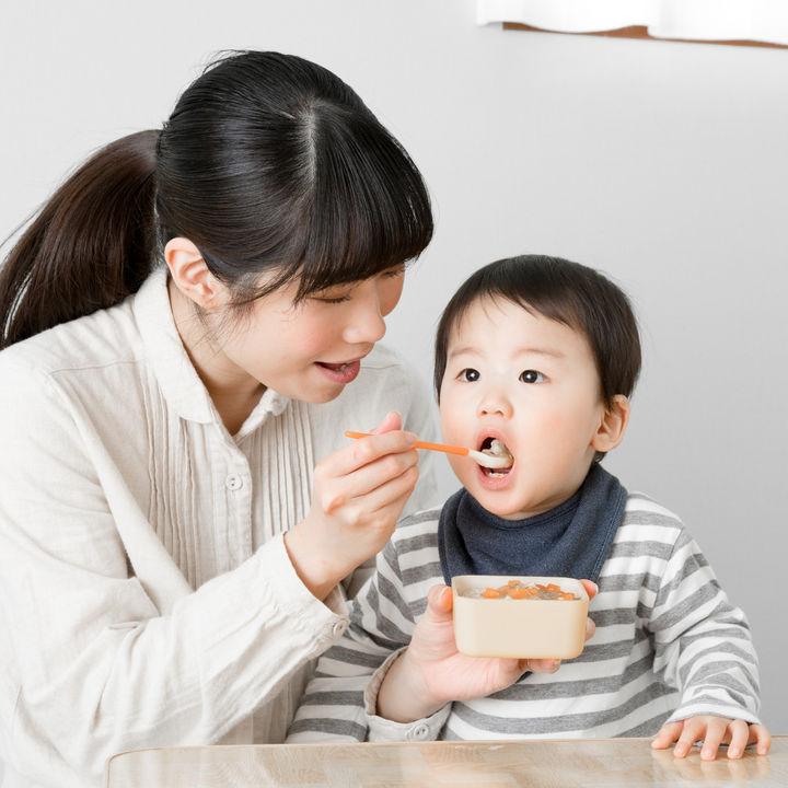 共働きで食事を作らない日や別々で食べるとき。作り置きや宅配を活用するには
